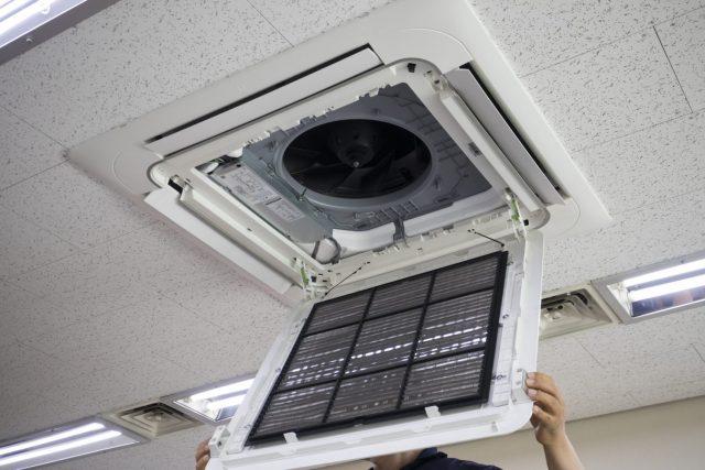 業務用エアコンの点検